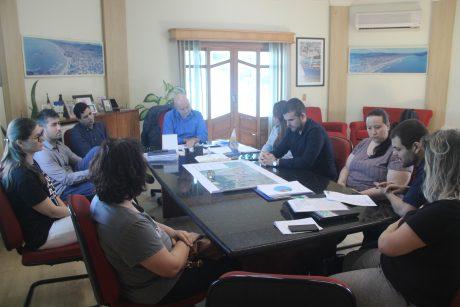 Sindifoz apresenta a Prefeitura contraproposta dos servidores a revisão da tabela salarial em Navegantes