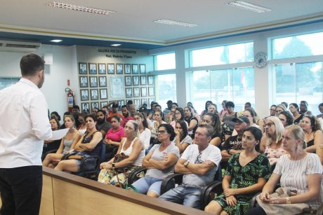 Sem negociação com prefeitura, servidores de Navegantes irão se reunir em nova assembleia