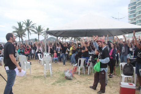 Servidores de Navegantes rejeitam proposta do governo e mantêm greve