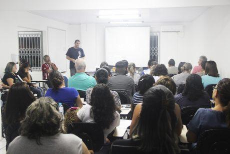 Servidores de Itajaí definem pauta de reivindicações que será levada ao governo