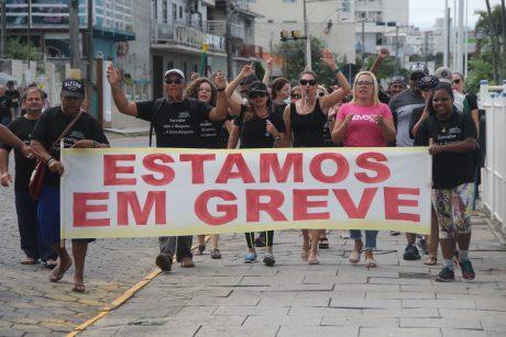 Sem nova proposta da Prefeitura, servidores de Navegantes continuam em greve