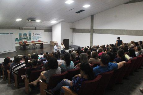 Servidores da ESF de Itajaí participam de reunião com comissão de estudo relacionada aos cargos da categoria