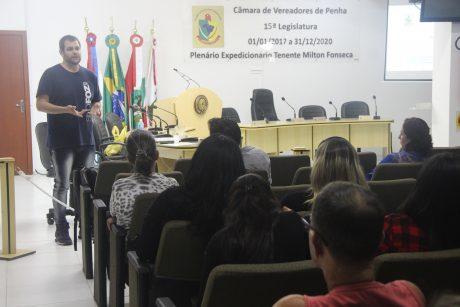 Servidores de Penha definem pauta de reivindicações a ser levada ao governo municipal