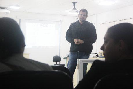 Servidores de Ilhota realizam assembleia geral da campanha salarial