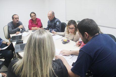 Comissão de Itajaí discute propostas de mudança no vale-alimentação com equipe de governo