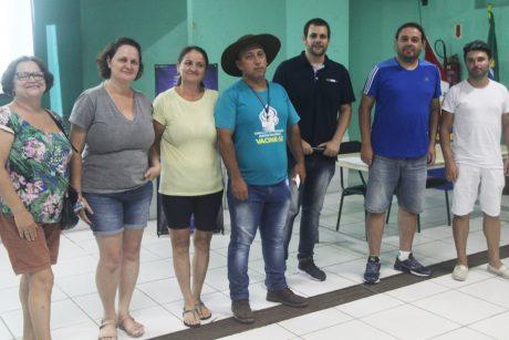 Servidores de Itajaí definem pauta de reivindicações e comissão de negociação