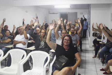 Após negativa de aumento real do governo, servidores de Itajaí decretam estado de greve