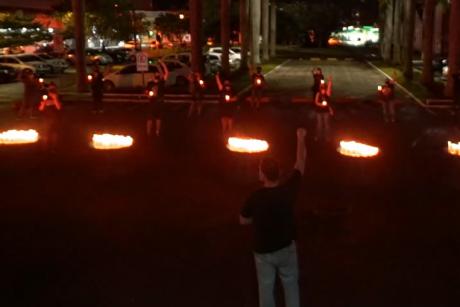Protesto dos servidores da Educação em frente à prefeitura de Itajaí